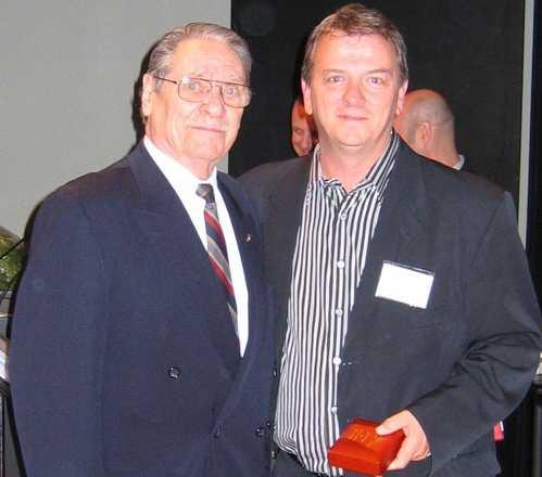 Serge reçoit le titre d'ACADÉMICIEN au sein de l'Académie internationale des beaux-arts du Québec