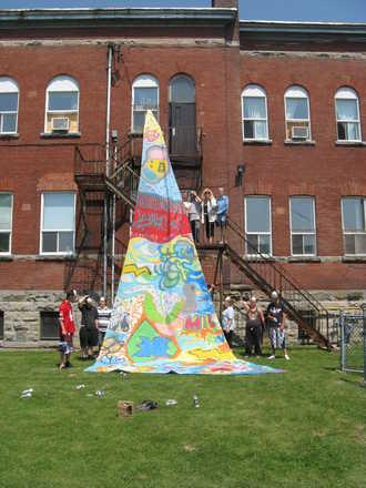 Résumé de la réalisation de graffitis sur voile à Salaberry de Valleyfield!